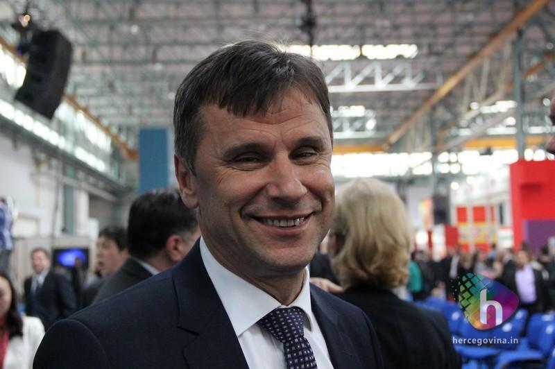 Premijer Federacije BiH Fadil Novalić pozitivan na koronavirus –  Hercegovina.in